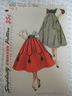 Simplicity 4012 skirts from 1952