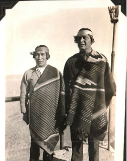 wearing-navajo-blankets-1930s-estatesaletreasurehunter-blogspot