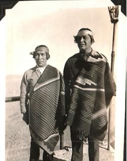 wearing-navajo-blankets-1930s-estatesaletreasurehunter-blogspot